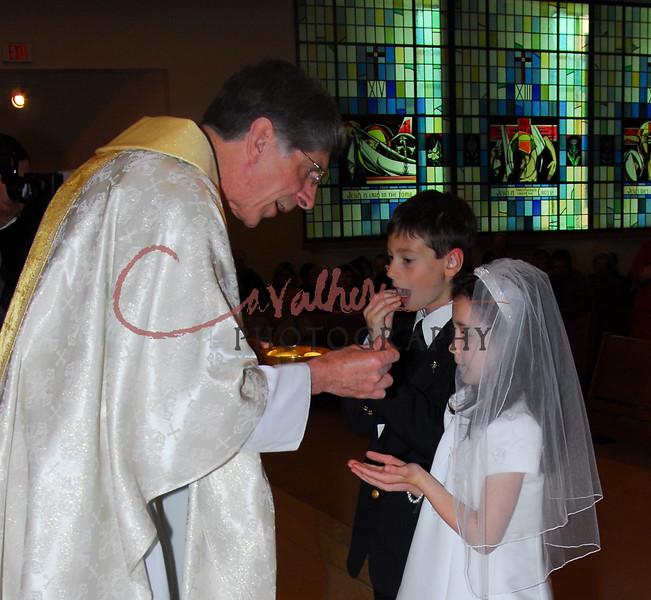 Communion 2008-AM Mass-114