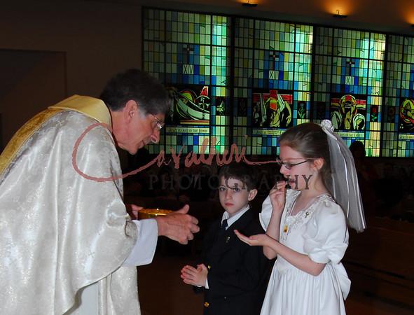 Communion 2008-AM Mass-126