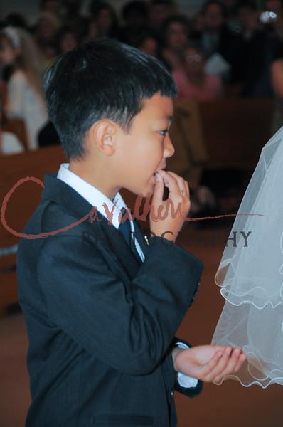 Communion 2008-AM Mass-172