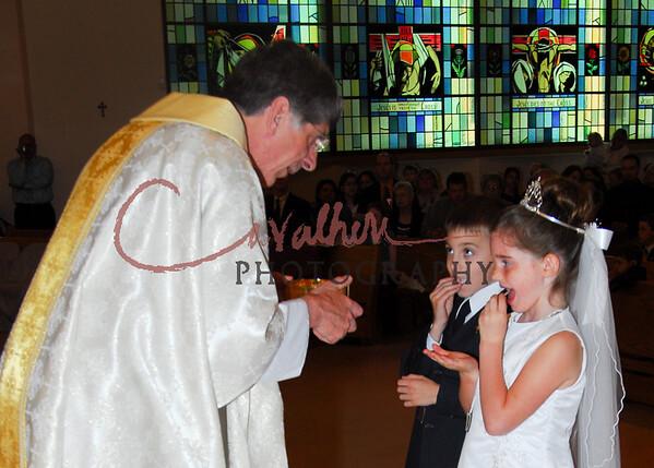 Communion 2008-AM Mass-212