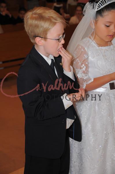 Communion 2008-AM Mass-200