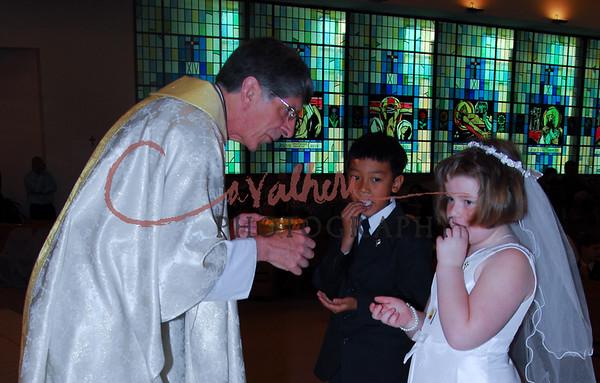 Communion 2008-AM Mass-174