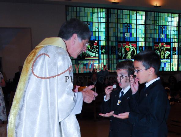 Communion 2008-AM Mass-152B