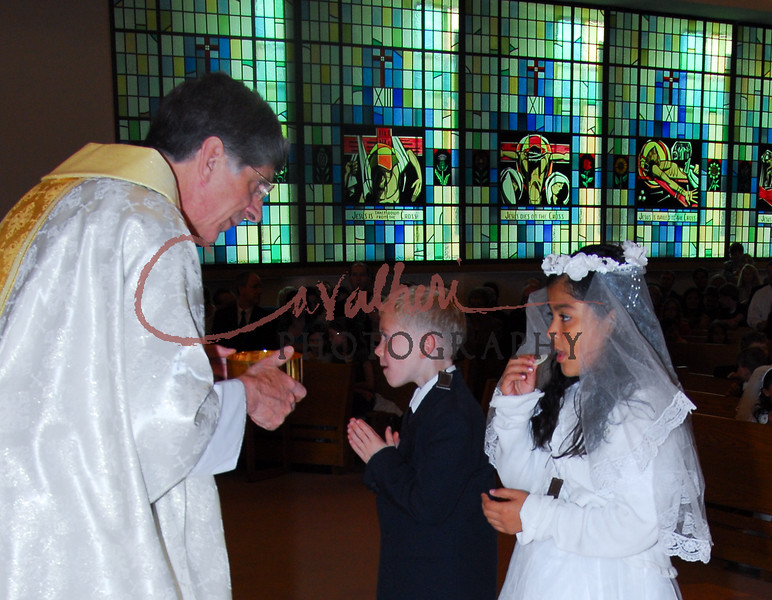Communion 2008-AM Mass-235