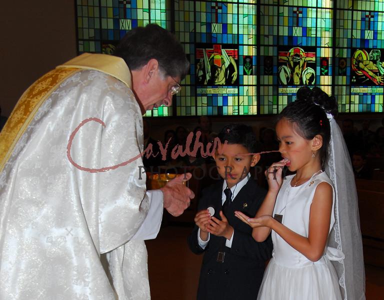 Communion 2008-AM Mass-191