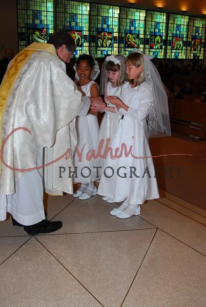 Communion 2008-AM Mass-246