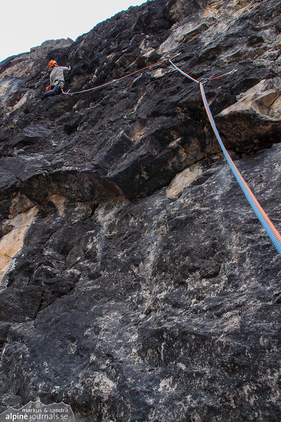 Pitch 5 (VI+) was hard but managable due to an occational resting position, at Abenteuer und Vergnügen.