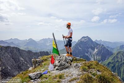 Liechlkopf summit! Steep grass climbing to the top. Descent to Wildental is yet steeper.