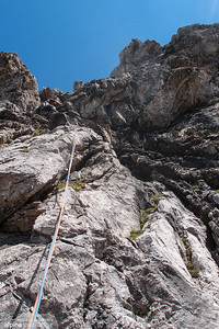 Pitch 6 (VI-, 45m) was well belayed and didn't cause any problems. At Herbstsonne.