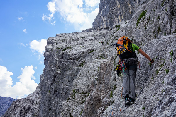 "We have finished ""Salzburger Weg"" and head over the exposed traverse towards the first band. Up to 80 meter wide, it does look immense!"