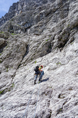 Jesko runs up the slabs at the end of Schöllhornkar.