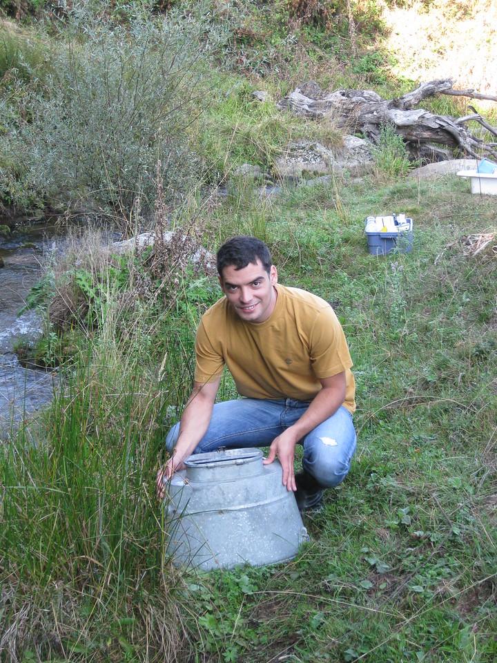 Electrofishing trout 2009