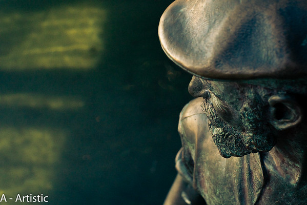 Artistic_Bronze Statue_R Ross