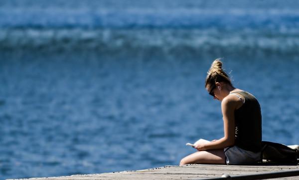 08_Quiet Reading_Kim McAvoy