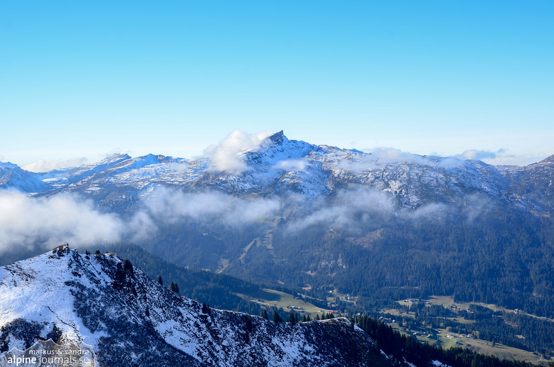 Kuhgehrenspitze with Hohe Ifen in clouds as a backdrop