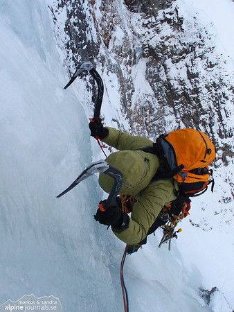 Sandra following on the third pitch of Federweissfall.