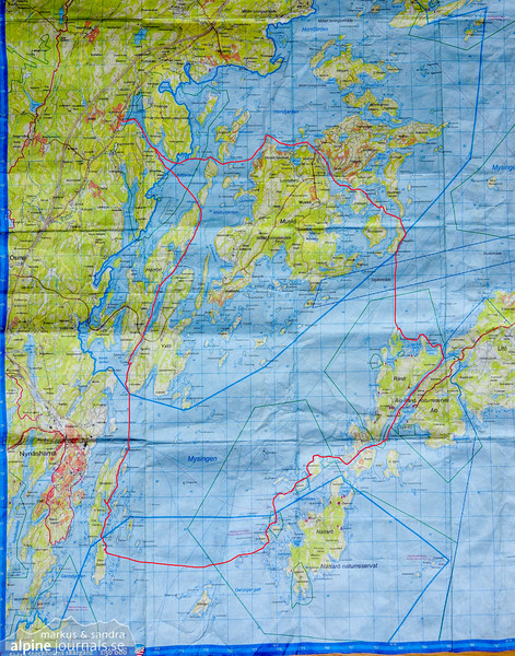 The route, paddled clockwise in a closed loop from Landfjärden. Near Muskö, I found that keeping west of Älvsnabben is advisable due to a protected area not marked on this map.