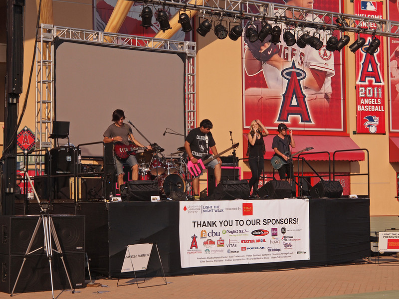 Entertainment at Light The Night - 17 Sept 2011