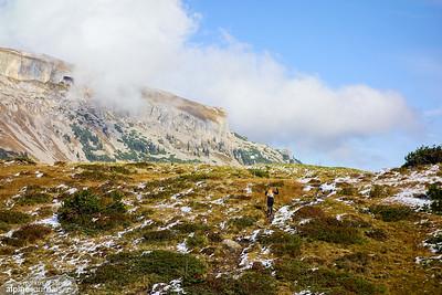 Ifen plays hide-and-seek while we continue toward Schwazwasserhütte.