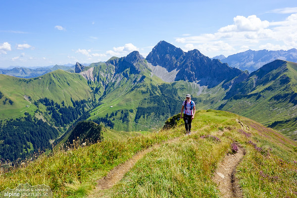 The last steps to Zafernhorn has a great panorama view, here Zitterklapfen in the background