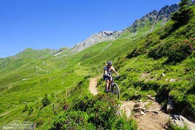 Beautiful single trail at Urdenfürggli