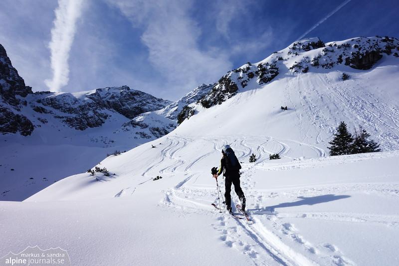 Our friend Bastian leads the way towards Bretterspitze.