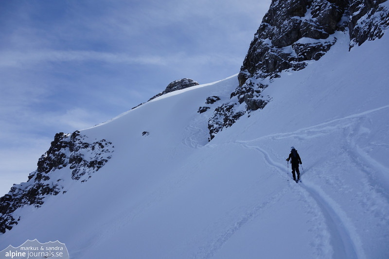 Getting closer to the couloir where we'll ascend Bretterspitze.