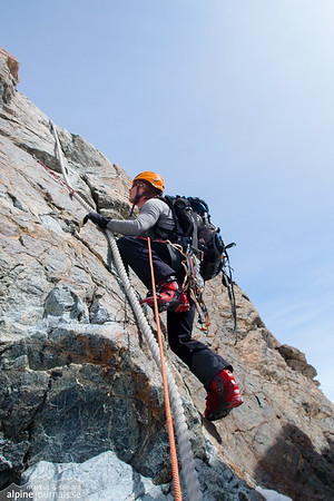 Rope aided climbing on Pollux