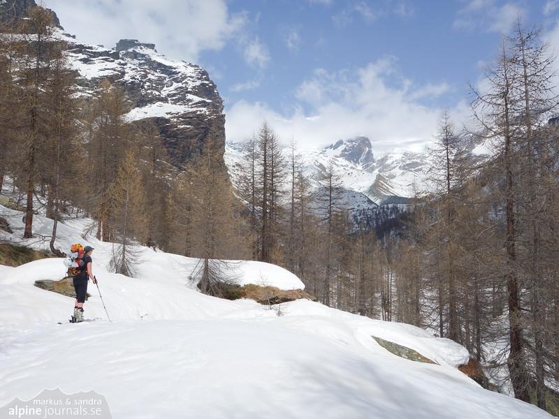 A long way to the Mezzalama hut