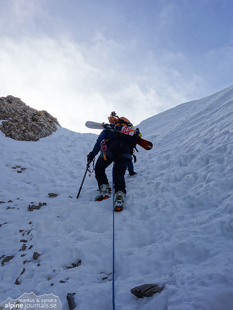 The climbing ascent route involves some snow, too. Not difficult, but rather exposed.