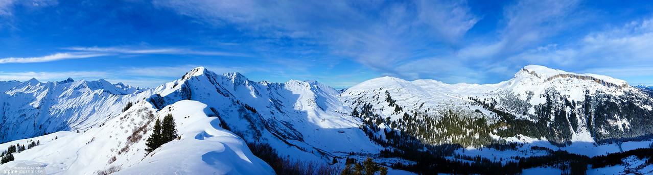 Winter panorama over Grünhorn, Steinmandl, Hählekopf, Berlingerköpfle and Hohe Ifen, from Ochsenhofer Kopf