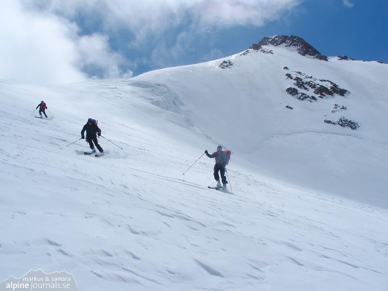 Beginning the 8km run down from Wildspitze