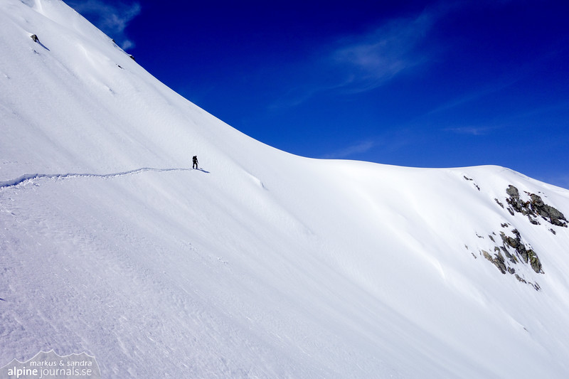 Steep traverse to a saddle on the ridge leading to the summit.