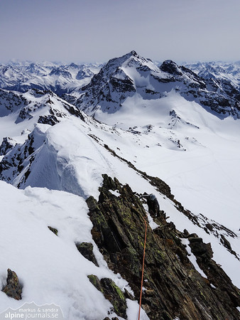 Summit ridge of Signalhorn.