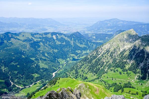 View to Retterschwangertal and the town Sonthofen far below.