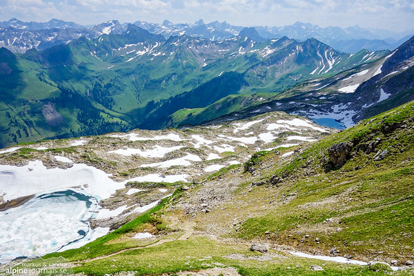 Two small mountain lakes are passed at descent; first Laufbichlsee (left), then Koblatsee (right).