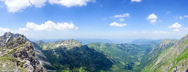 Panorama view over the lush Retterschwangertal.