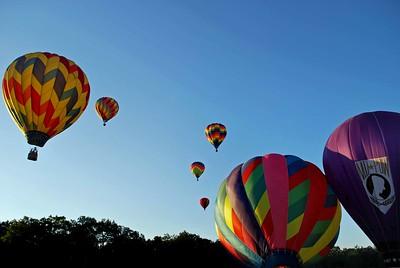 Plainville-Balloons 221-C