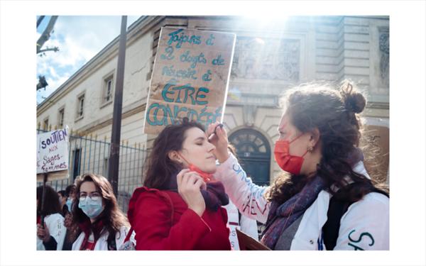 France, Paris, 2021-05-05. Journee d action et de greve des sages-femmes en France