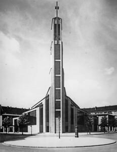 10 Otto Bartning, Gustav-Adolf-Kirche, Berlin, 1934.