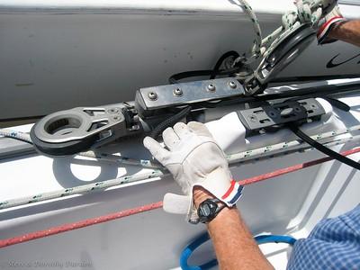 Jammed mainsail traveler car