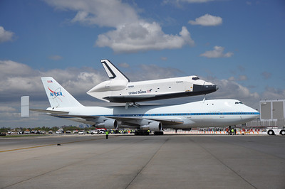 Shuttle Fly-By 4-27-12 - Photo by Ed Gray 006