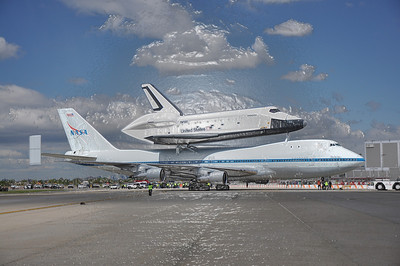 Shuttle Fly-By 4-27-12 - Photo by Ed Gray 008