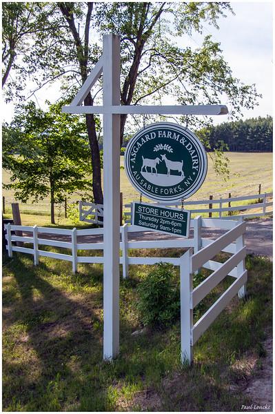 Signpost, Asgaard Farm & Dairy