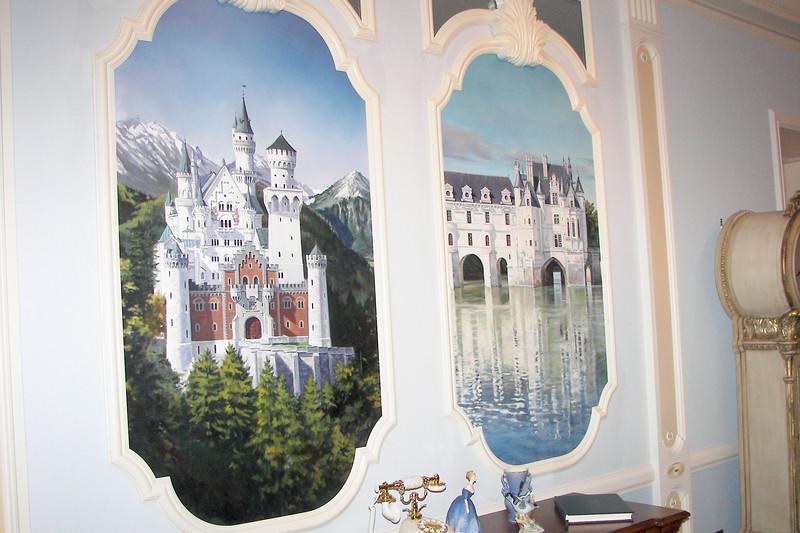 disneyland dream suite 2 living room 1 (8)