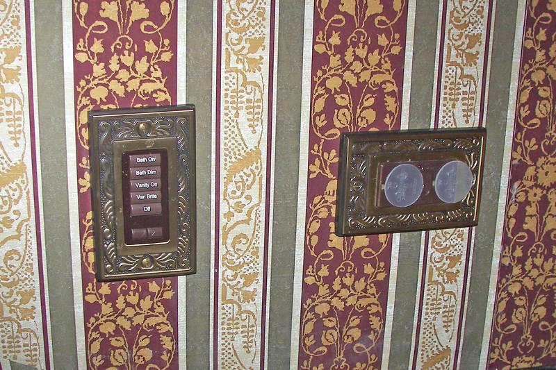 disneyland dream suite 4 second bedroom 4 bathroom (6)