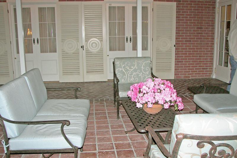 disneyland dream suite 6 patio (7)
