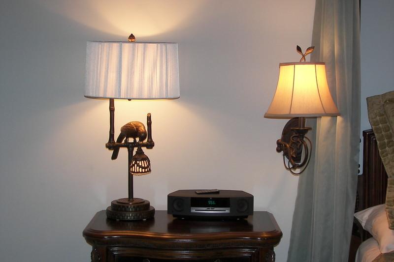 disneyland dream suite 3 master bedroom 1 decor (15)