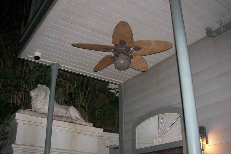 disneyland dream suite 1 outside (6)
