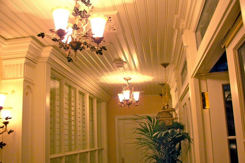 disneyland dream suite 8 aviary hall (5)